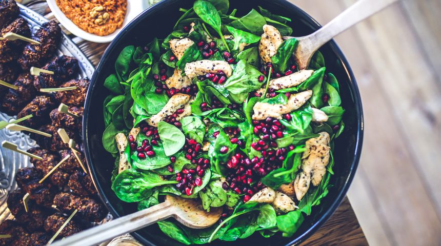 Most people strive to make healthier food decisions every day. And, that got us thinking. Is there a way to dine out, while still making the best possible healthy food decisions?